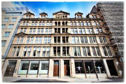 2 Bedrooms Flat for sale in Montrose Street, Merchant City, Glasgow