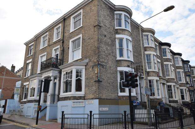 2 Bedrooms Apartment Flat for sale in York Place, Scarborough, North Yorkshire YO11 2NP