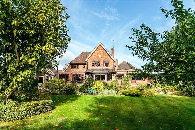 5 Bedrooms Detached House for sale in Dove Park, Chorleywood, Rickmansworth, Hertfordshire, WD3