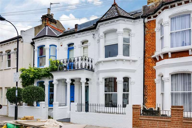3 Bedrooms Flat for sale in Hartismere Road, Fulham, London