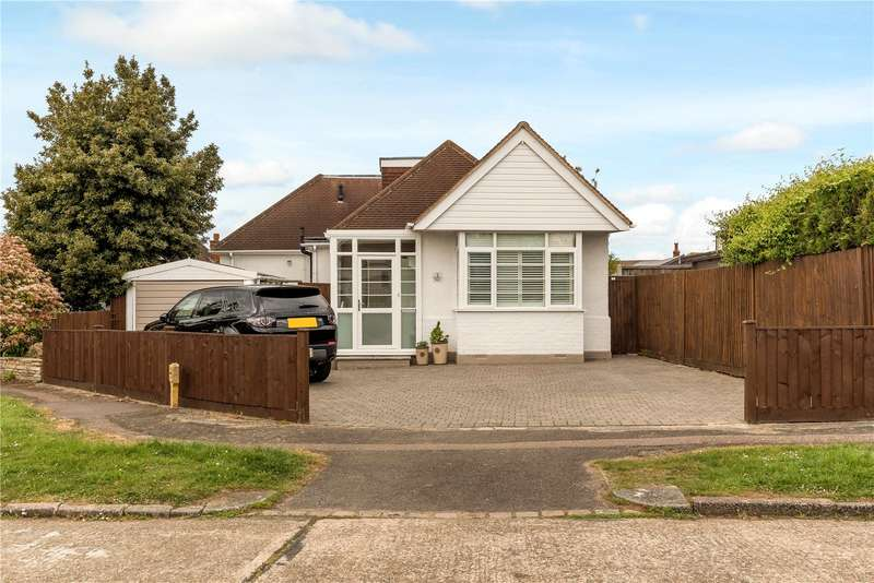 4 Bedrooms Detached House for sale in Brook Mead, Epsom, Surrey, KT19