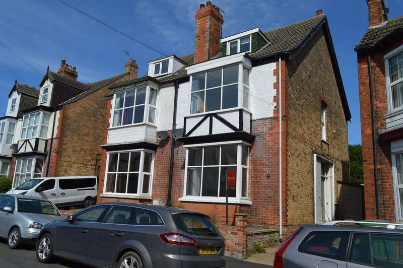 6 Bedrooms Semi Detached House for sale in Clifford Street, HORNSEA, East Riding of Yorkshire
