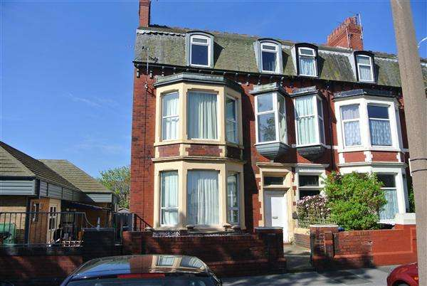 7 Bedrooms Flat for sale in London Street, Fleetwood