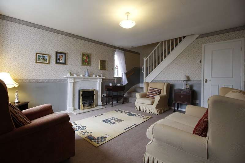 2 Bedrooms Semi Detached House for sale in Birley Spa Lane, Sheffield, South Yorkshire, S12