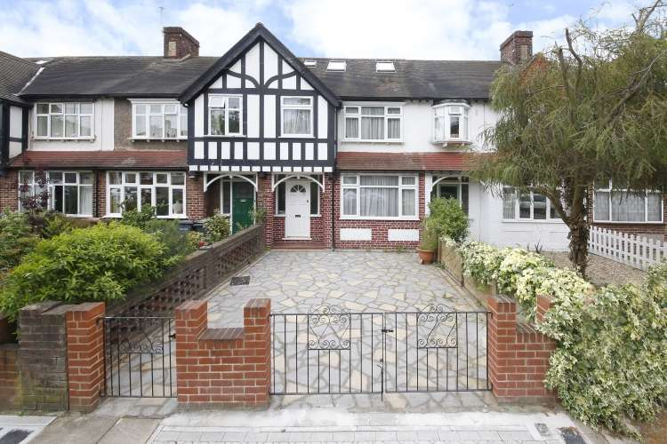 4 Bedrooms Terraced House for sale in Milborough Crescent Lee SE12