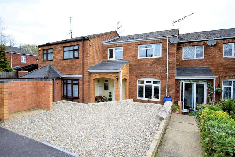 3 Bedrooms Terraced House for sale in Burton Way, Windsor