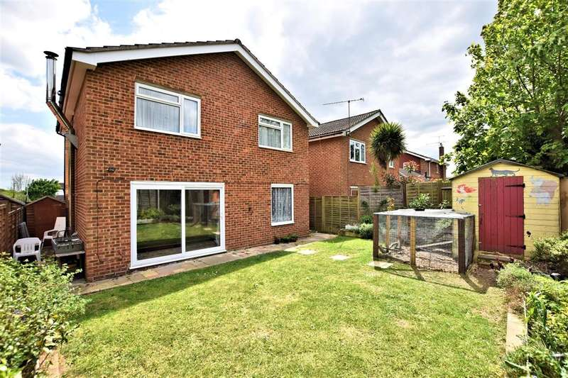 4 Bedrooms Detached House for sale in Askew Drive, Spencers Wood, Reading, RG7