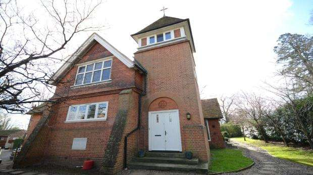 3 Bedrooms End Of Terrace House for sale in The Old Chapel, Chapel Lane, Spencers Wood