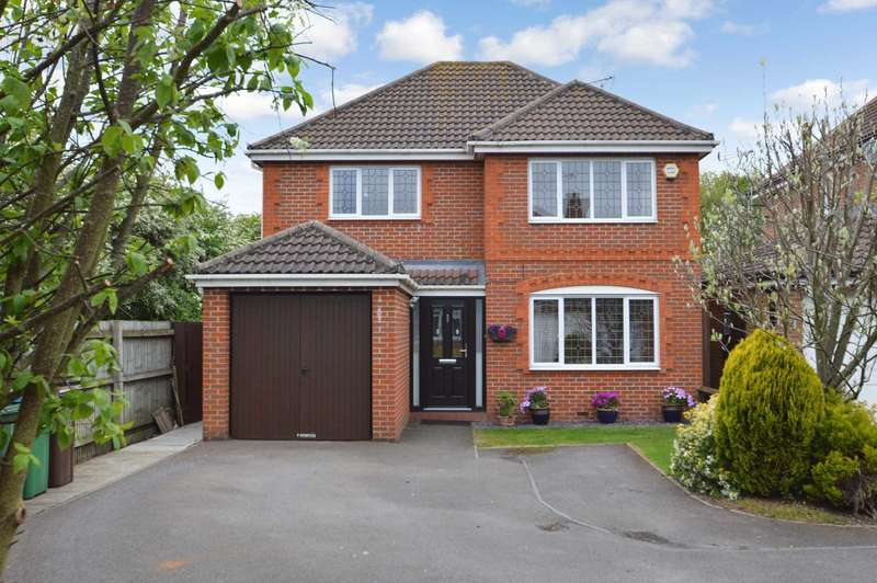 4 Bedrooms Detached House for sale in Jakeman Way, Aylesbury