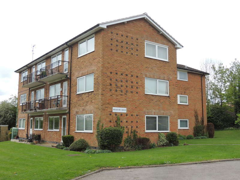 2 Bedrooms Flat for sale in Meadow Drive, Hampton-In-Arden, Solihull