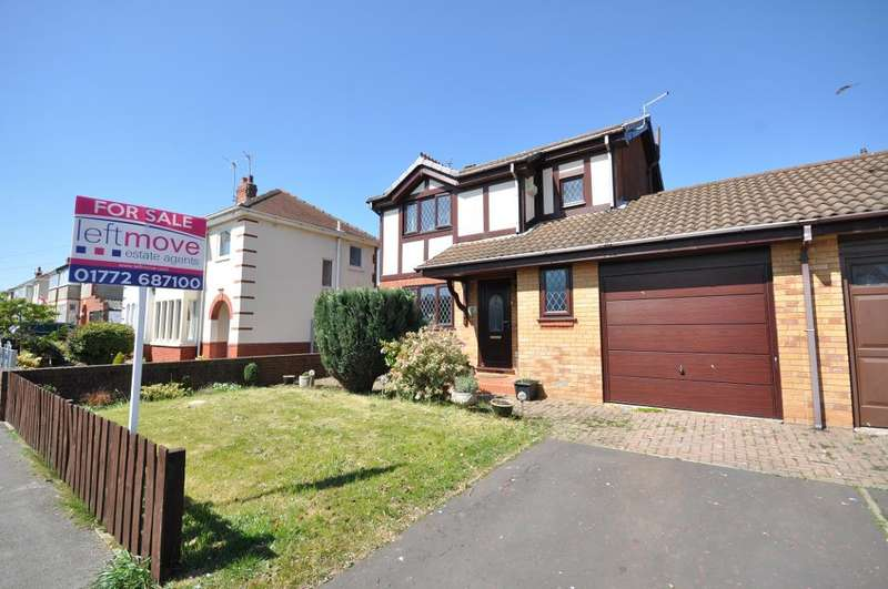 3 Bedrooms Detached House for sale in Southlands, Kirkham, Preston, Lancashire, PR4 2TR