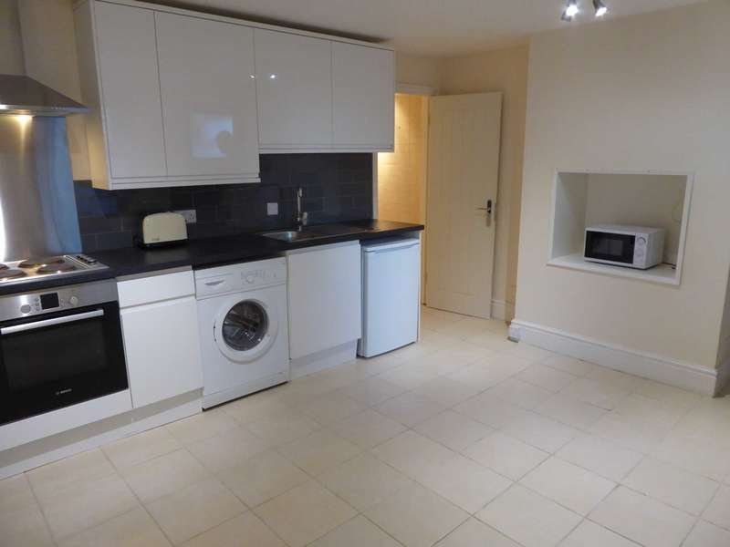 Flat for rent in 280 Kings Road, Reading