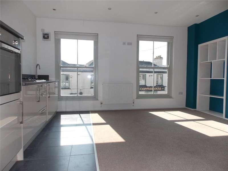 2 Bedrooms Flat for sale in Fore Street, Hayle