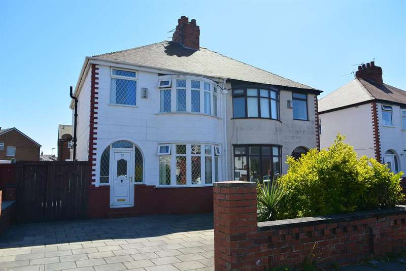 3 Bedrooms Semi Detached House for sale in Albany Avenue, South Shore, Blackpool, FY4 1QB