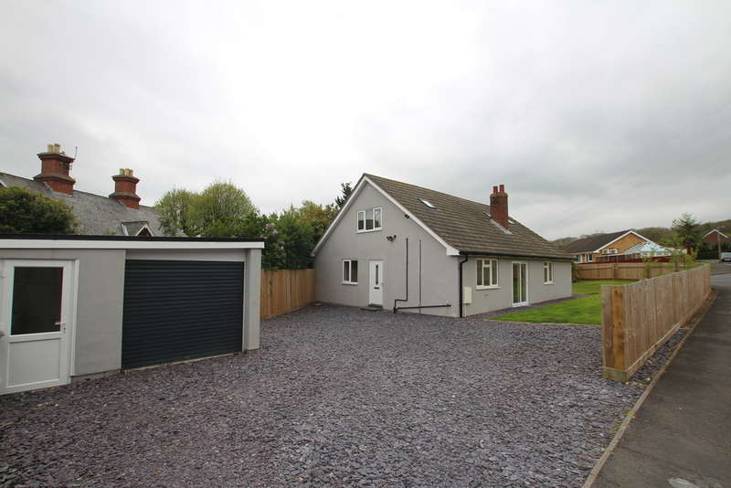 5 Bedrooms Detached House for sale in Rosemary Crescent