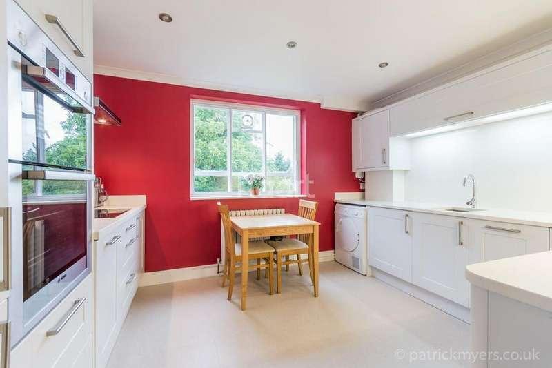 3 Bedrooms Flat for sale in Rye Court, Peckham Rye, East Dulwich, London, SE22