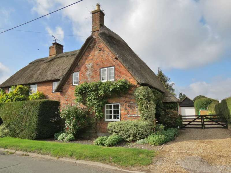 2 Bedrooms Semi Detached House for sale in Grade II Listed thatched period cottage of great charm and character. Burbage