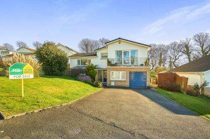 4 Bedrooms Detached House for sale in Crownhill, Plymouth, Devon