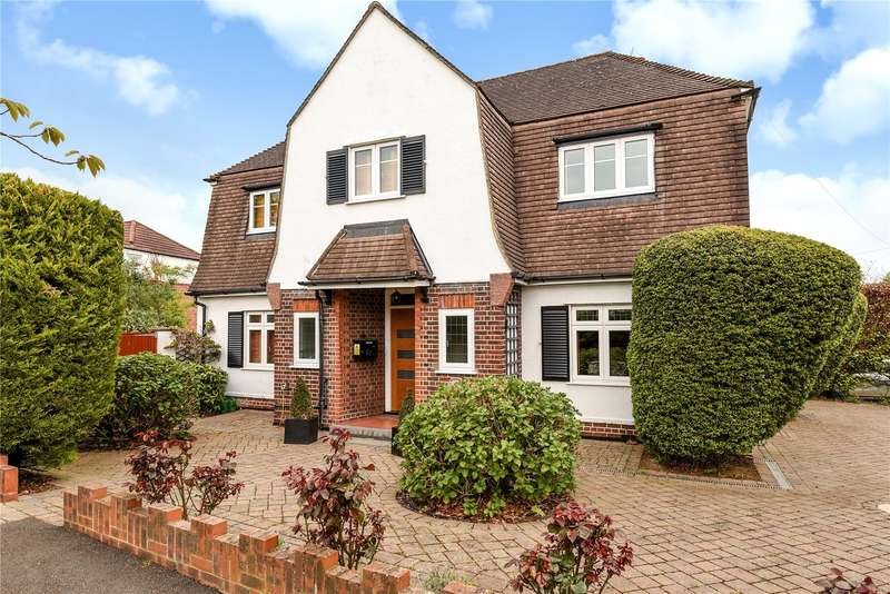 3 Bedrooms House for sale in Rosecroft Walk, Pinner, Middlesex, HA5