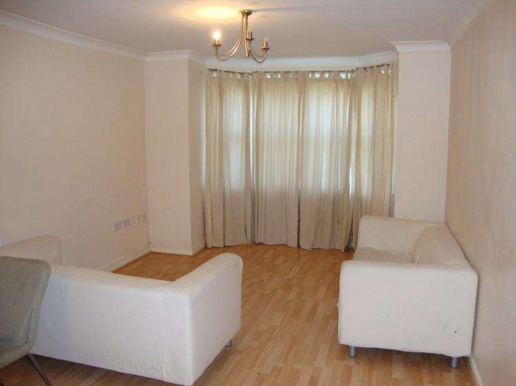 2 Bedrooms Apartment Flat for sale in Hadfield Close, Victoria Park
