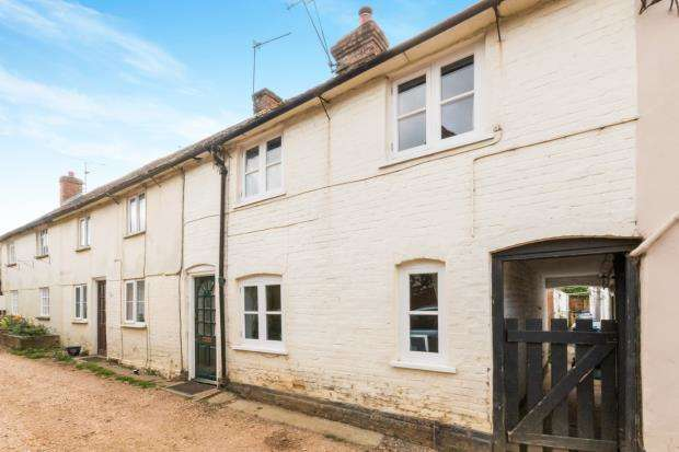 2 Bedrooms Terraced House for sale in The Street, North Warnborough, Hampshire