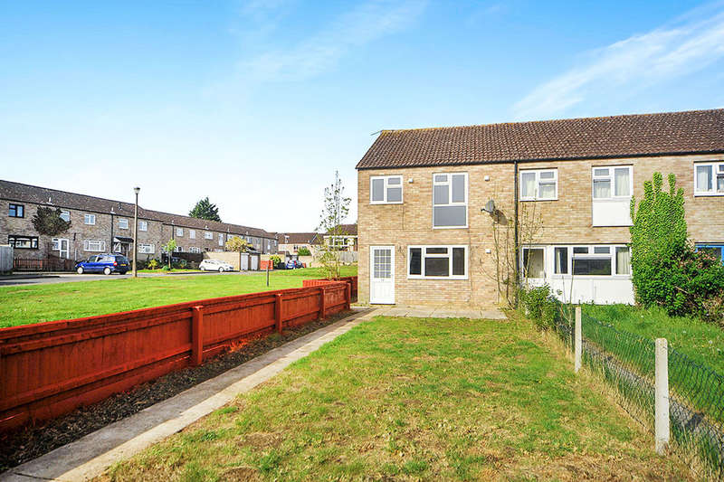 3 Bedrooms Property for sale in Woodroffe Square, Calne, SN11