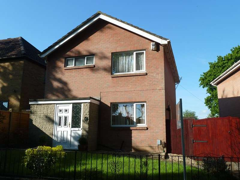 3 Bedrooms Detached House for sale in Merryfield Lane, Kinson, BOURNEMOUTH