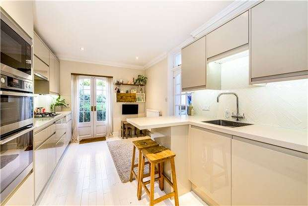 4 Bedrooms Terraced House for sale in Lyme Road, BATH, Somerset, BA1 3LN
