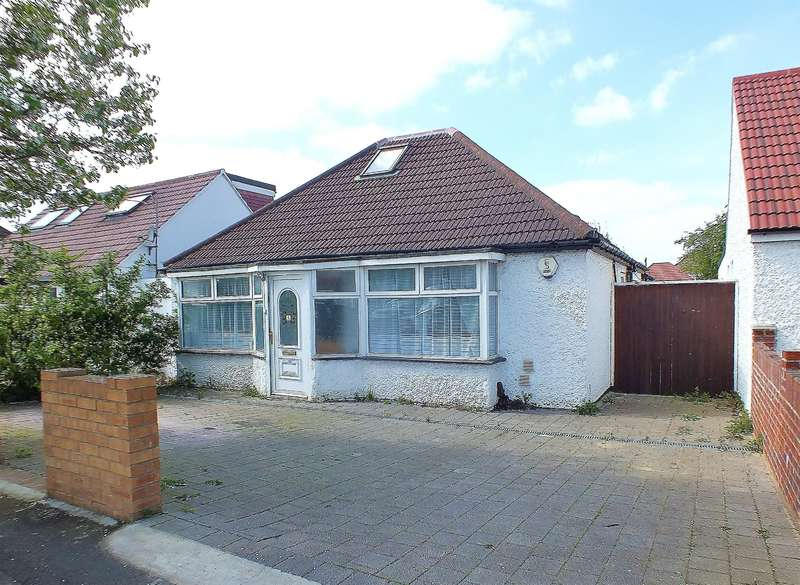 3 Bedrooms Detached House for sale in Harold Avenue, Hayes, UB3 4QW