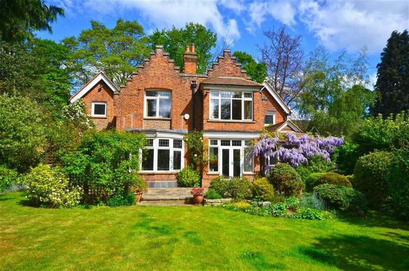 4 Bedrooms Detached House for sale in Watford Road, Croxley Green, Hertfordshire