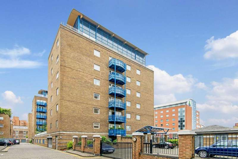 2 Bedrooms Apartment Flat for sale in Campania Building, E1W