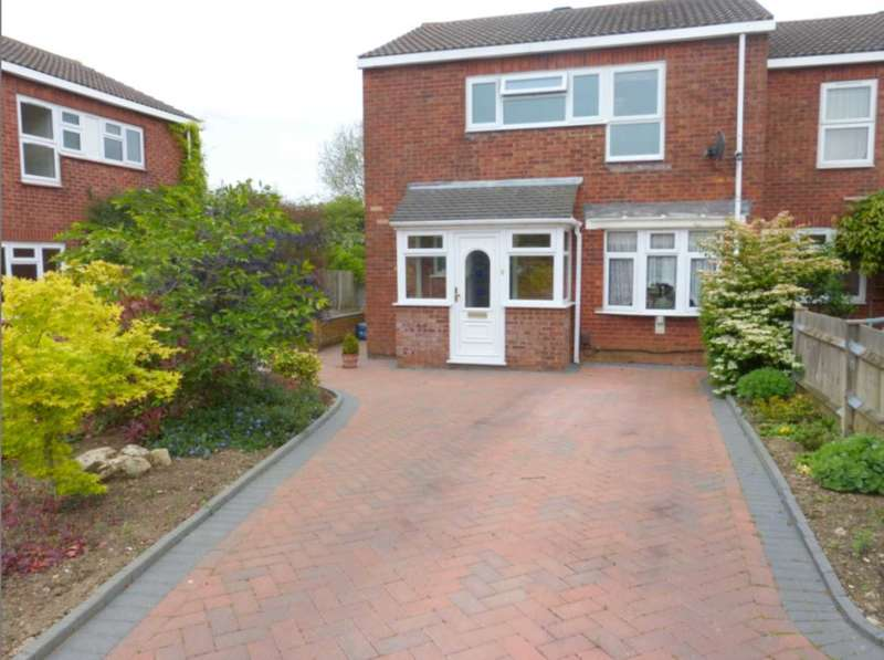 3 Bedrooms Semi Detached House for sale in Stainer Road, Borehamwood