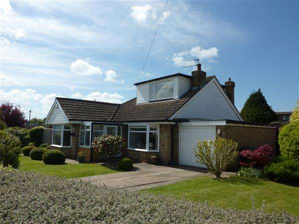 4 Bedrooms Detached Bungalow for sale in PELHAM AVENUE, SCARTHO, GRIMSBY