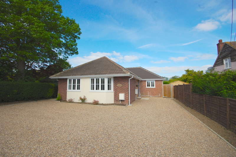 3 Bedrooms Detached Bungalow for sale in Galleywood Road, Great Baddow, Chelmsford, CM2