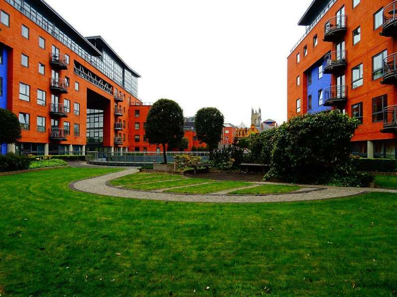 2 Bedrooms Apartment Flat for rent in 604 West One, Plaza One, Sheffield S3 7SJ