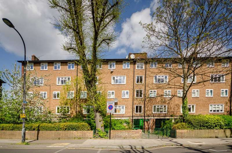 2 Bedrooms Maisonette Flat for sale in Broadhurst Gardens, South Hampstead, NW6