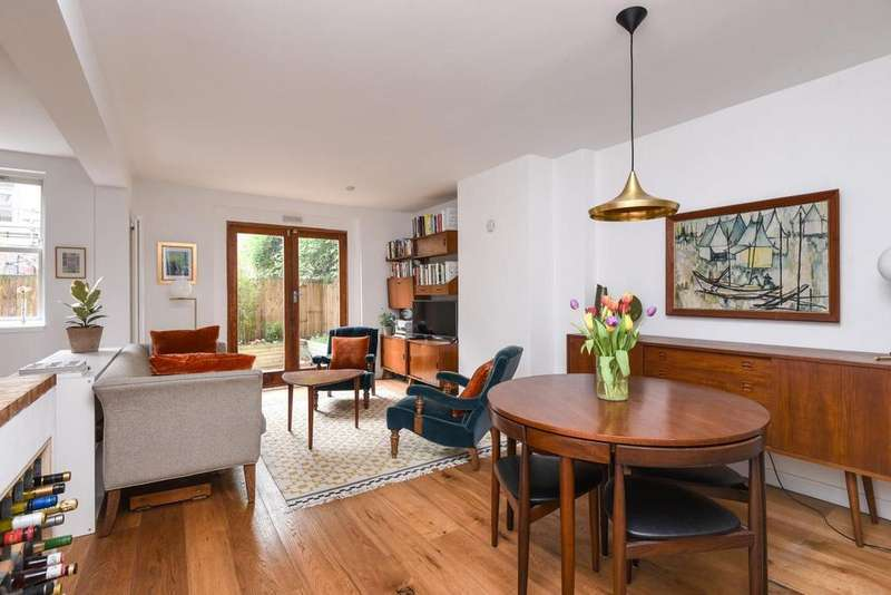 1 Bedroom Flat for sale in Lewisham Way, Brockley, SE4
