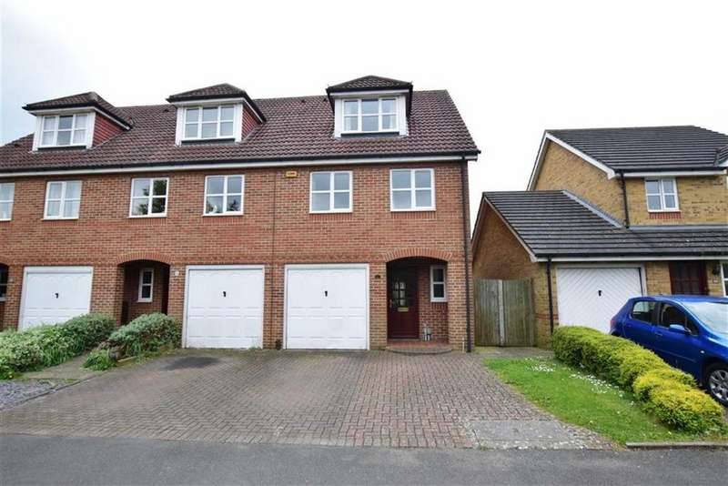 3 Bedrooms Town House for sale in Elliotts Way, Caversham, Reading
