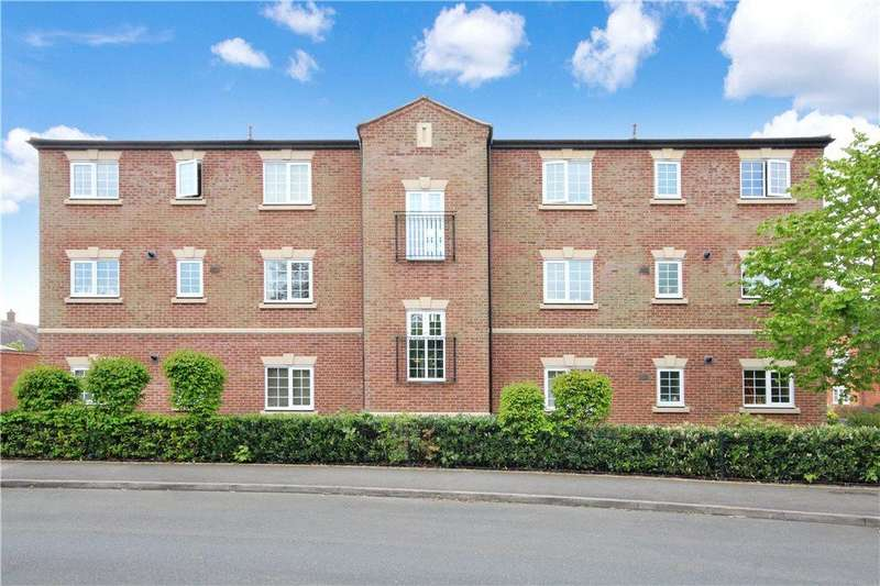 2 Bedrooms Apartment Flat for sale in Betjeman Road, Stratford-upon-Avon, Warwickshire, CV37