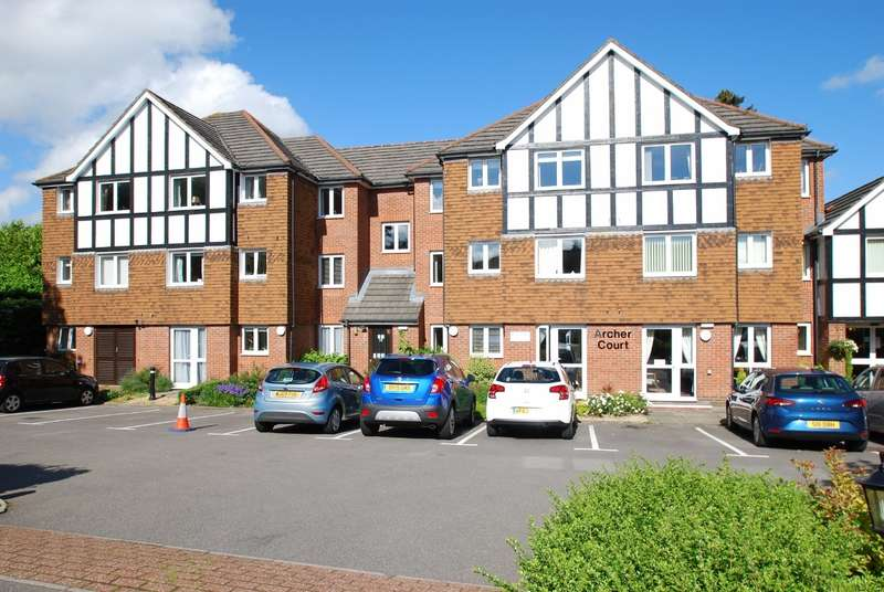 1 Bedroom Flat for sale in Archer Court, Chesham Road, Amersham, HP6