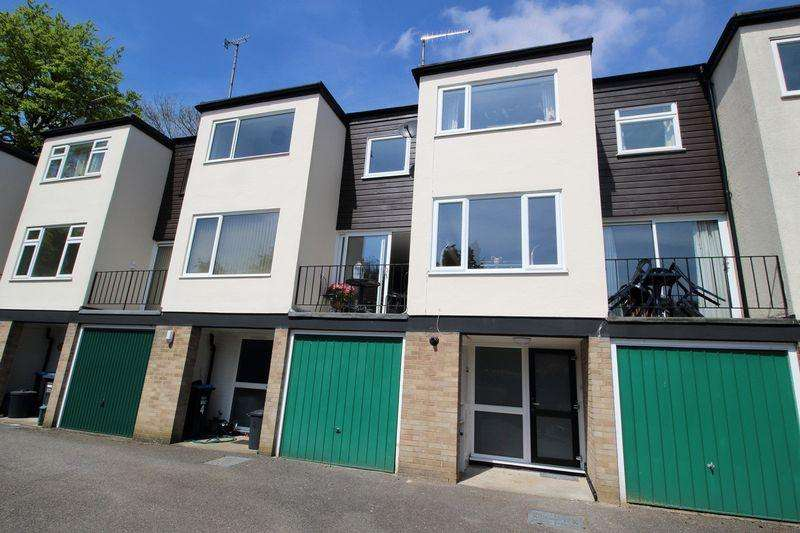 3 Bedrooms Terraced House for sale in BEECHWOOD, CHURCH HILL, CATERHAM VALLEY