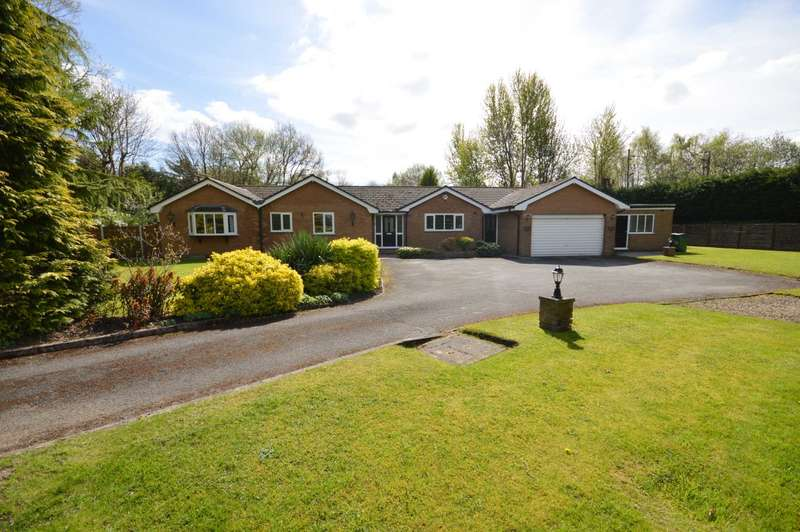 4 Bedrooms Bungalow for sale in LADYBARN CRESCENT, Bramhall