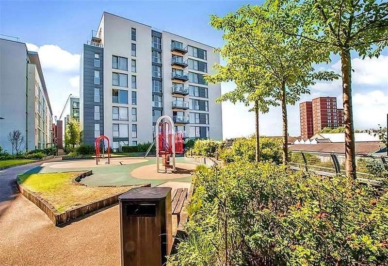 1 Bedroom Apartment Flat for sale in Station Approach, Hayes, UB3 1FG