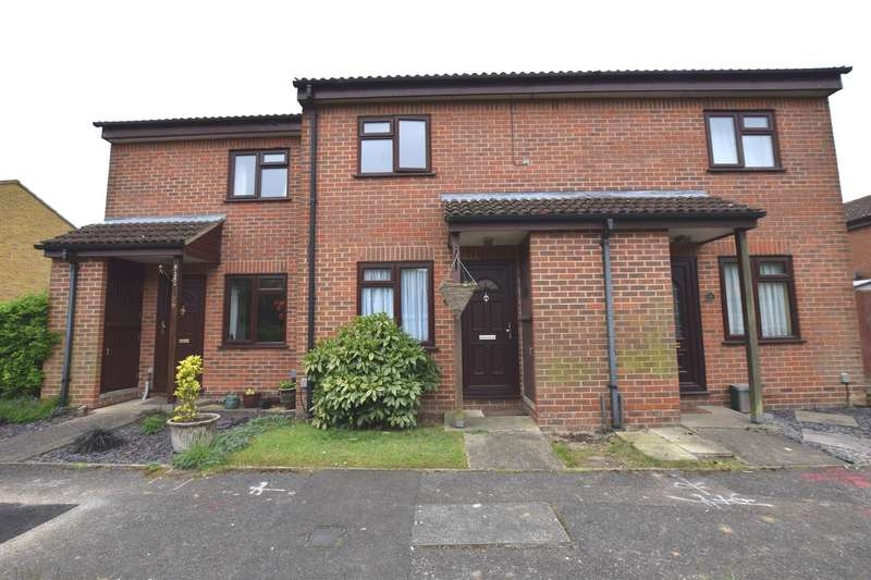 2 Bedrooms Terraced House for sale in Wellesley, Harlow, CM19