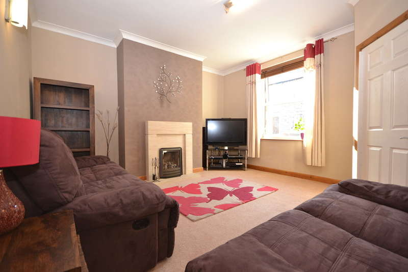 3 Bedrooms Terraced House for sale in Grange Avenue, Marsden, Huddersfield