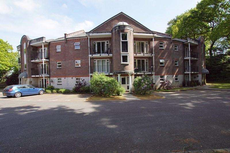2 Bedrooms Flat for sale in The Topiary, Poole