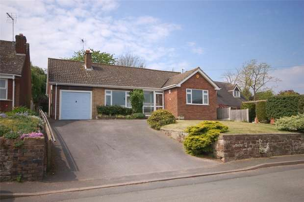 3 Bedrooms Detached Bungalow for sale in High Street, Claverley, WOLVERHAMPTON, Shropshire