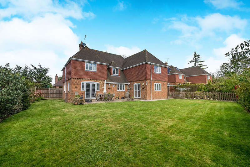 5 Bedrooms Detached House for sale in Tilefields Close, Hollingbourne, Maidstone, ME17