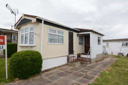 1 Bedroom Mobile Home for sale in Dunton Mobile Home Park, Lower Dunton Road, Brentwood