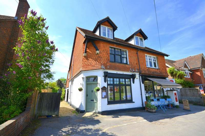 3 Bedrooms Semi Detached House for sale in Dunsfold